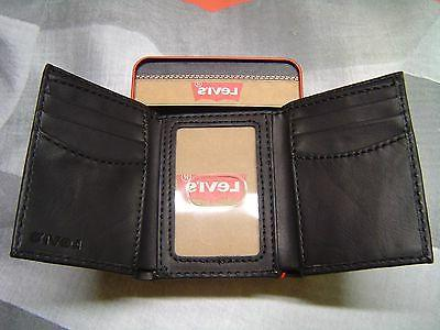 LEVI'S MEN'S EMBOSSED 2 HORSE COATED TRIFOLD WALLET BLACK