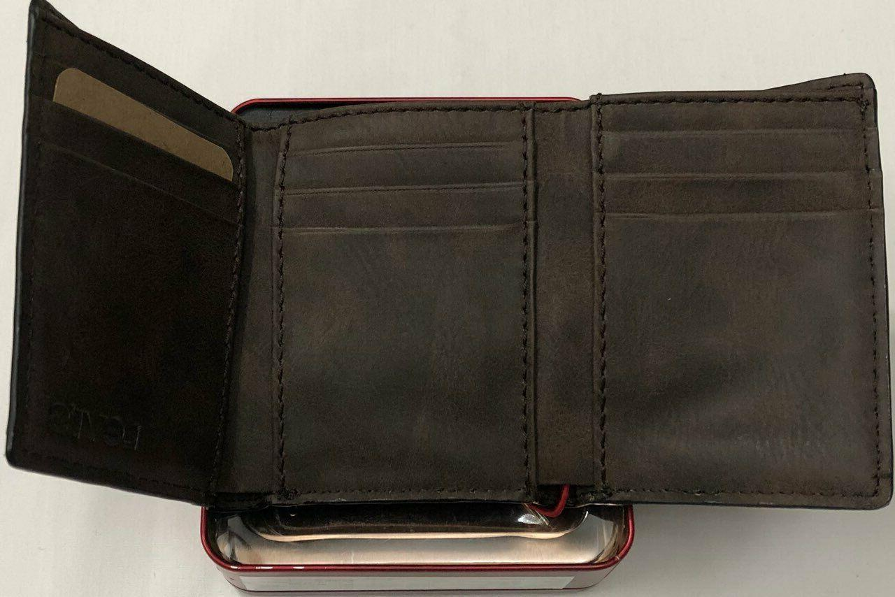 New Levi's Men's Leather Trifold $13.50