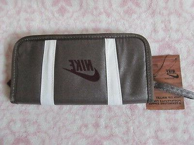women s bi fold zip wallet color
