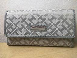 TOMMY HILFIGER Women's Wallet  Gray Organizer Clutch with Ch