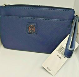 Tommy Hilfiger Womens Two Pocket Wristlet in Navy Blue. New